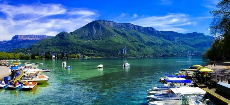 Camping traditionnel : où le faire à Annecy ?